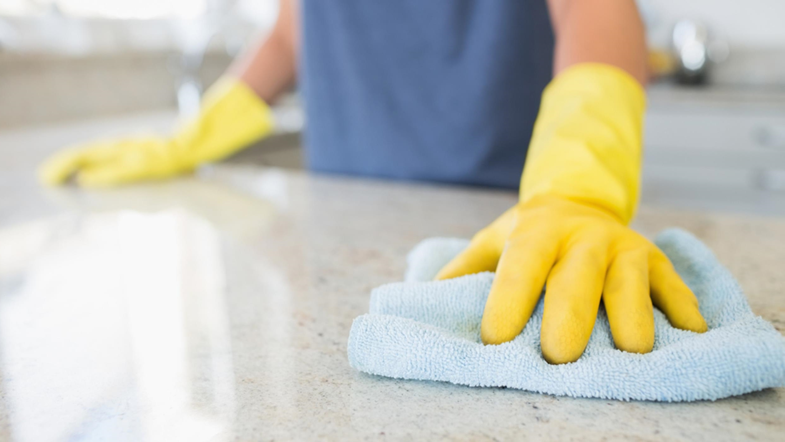 Kitchen Countertop Cleaning