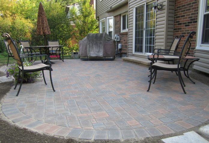 bare-patio-awaits-spring