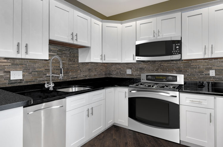 white-shaker-kitchen-cabinets