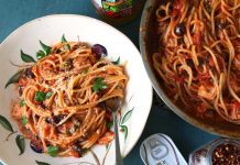 Delicious-spaghetti-dinner-time-home-made-pasta