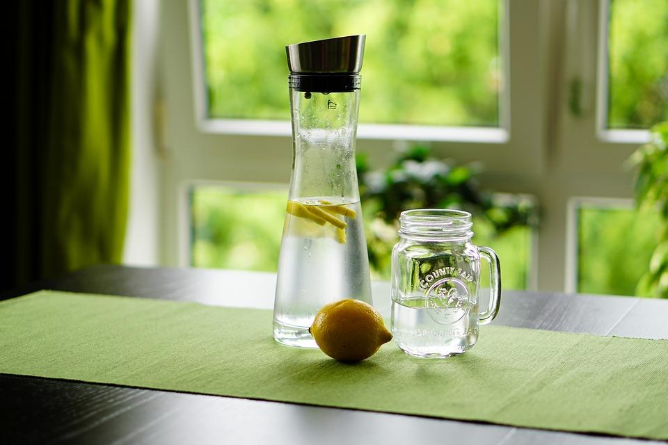 home-wellness-drinking-lemon-water