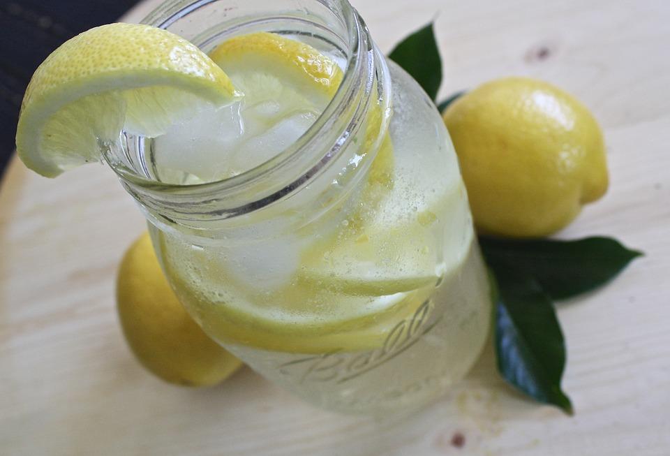 refreshing-lemon-water-health-benefits