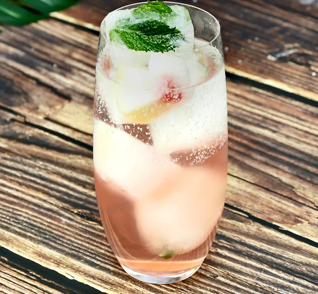 peach-mint-drop-summer-party-mocktail